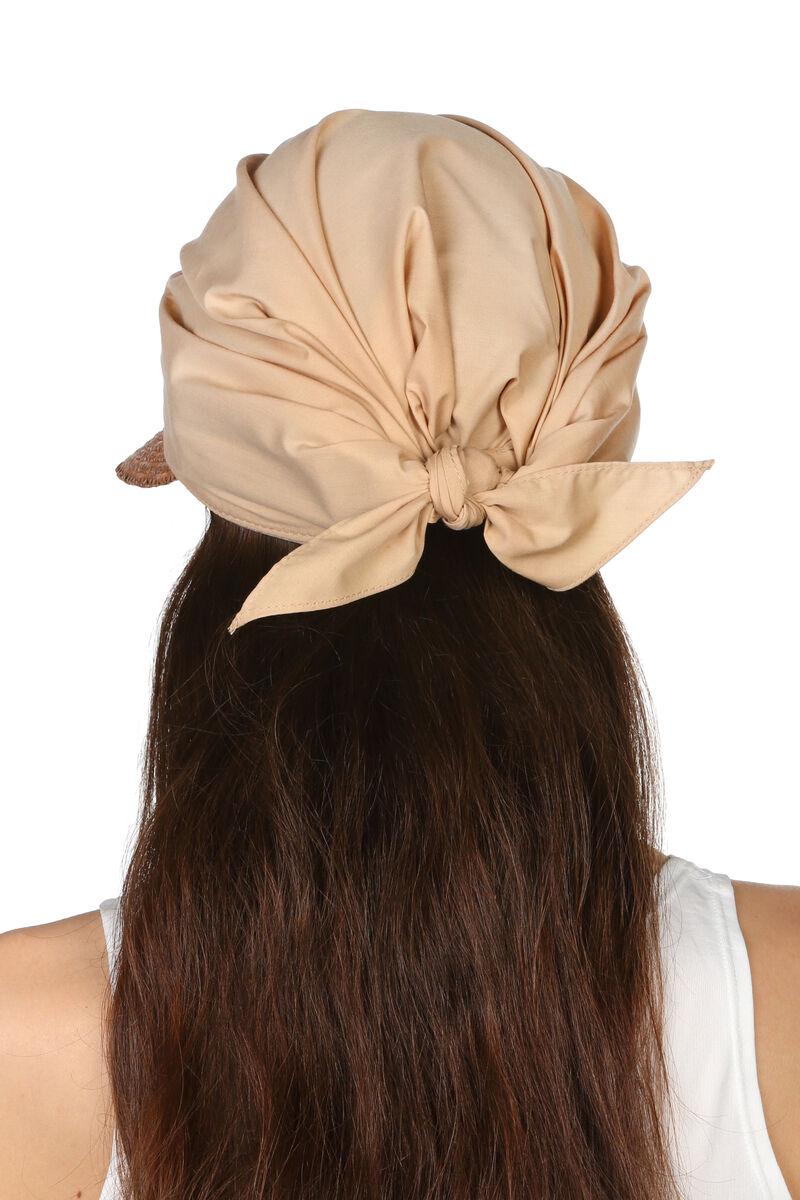 Козырек из натуральной соломы с тканевым верхом светло-коричневый