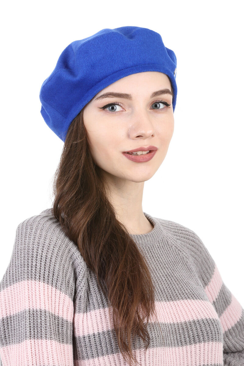 Берет женский из драпа синий