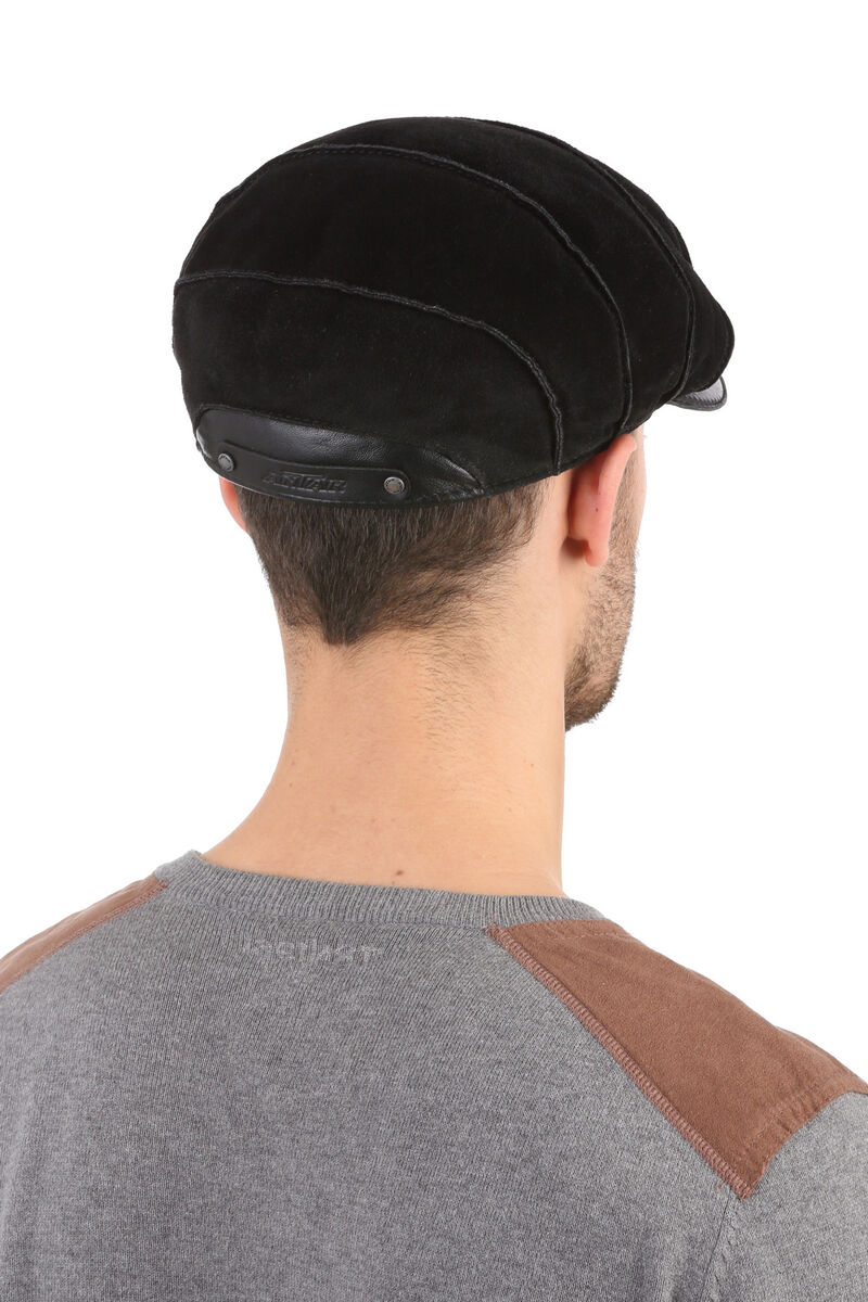 Кепка мужская из замши черная