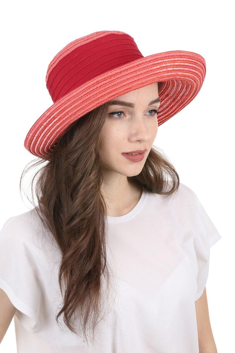 Элегантная летняя шляпа красная