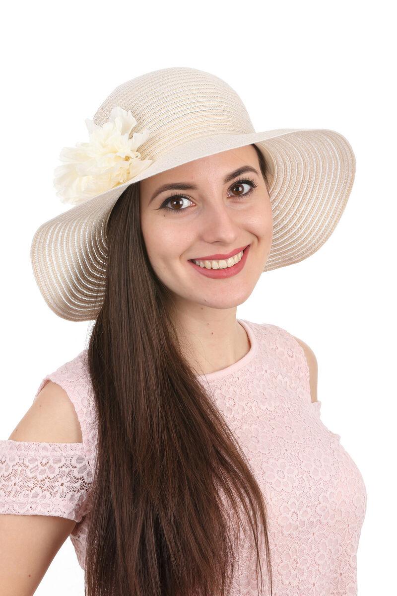 Шляпа летняя с украшением молочная