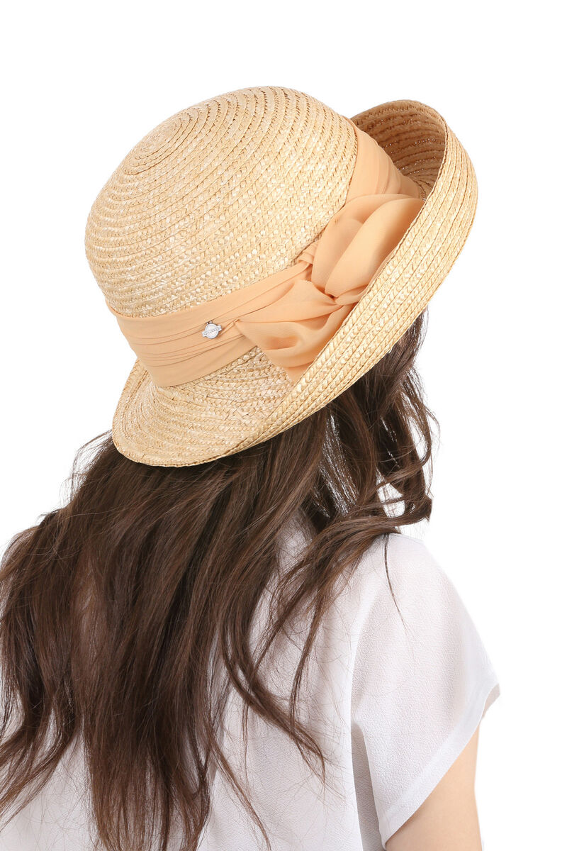 Шляпа с поднятыми полями цвета натуральной соломы