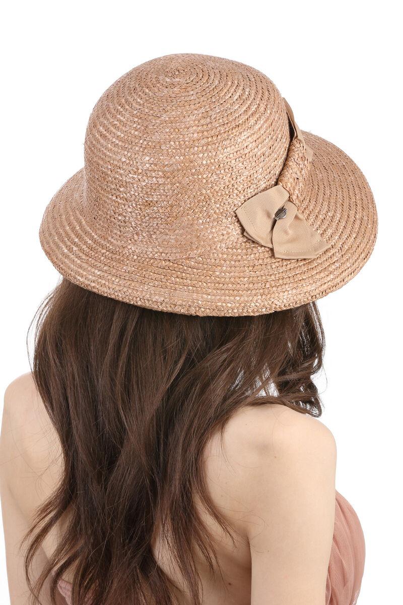 Шляпа из соломы с украшением в виде банта