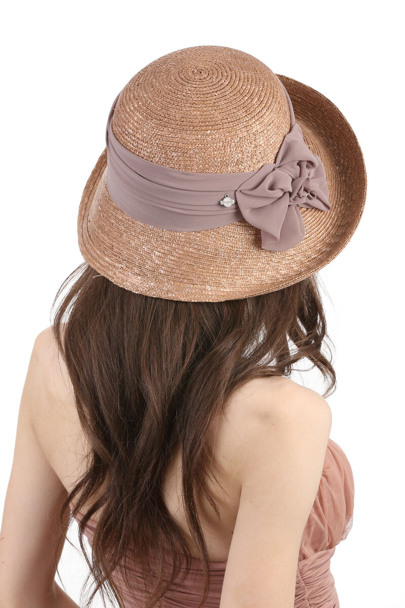 Шляпа женская соломенная декорированная лентой коричневая