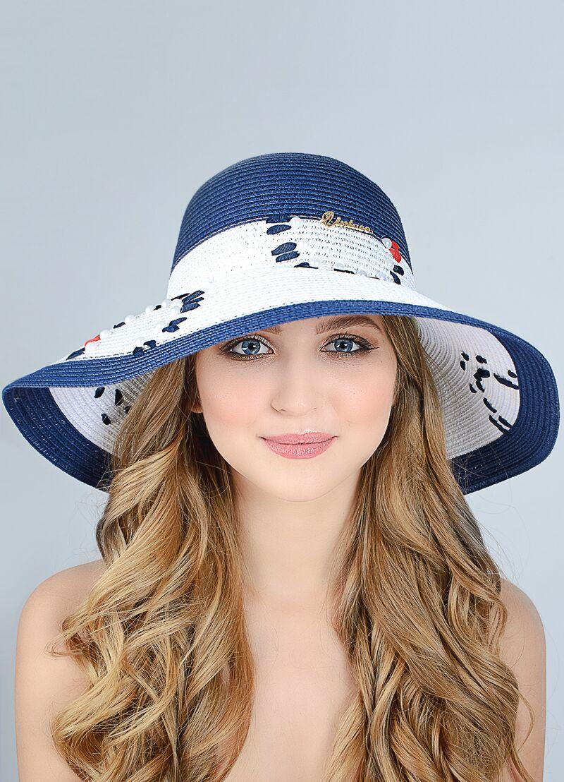 Шляпа с большим полями украшенная вышивкой