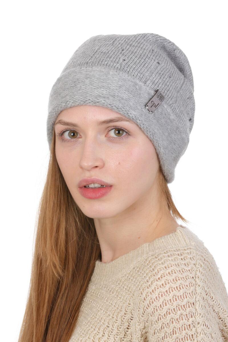 Вязаная шапка женская с отворотом серая