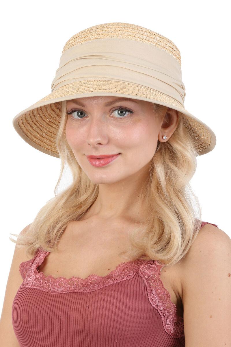 Шляпа с прямоугольной тульей и маленькими полями