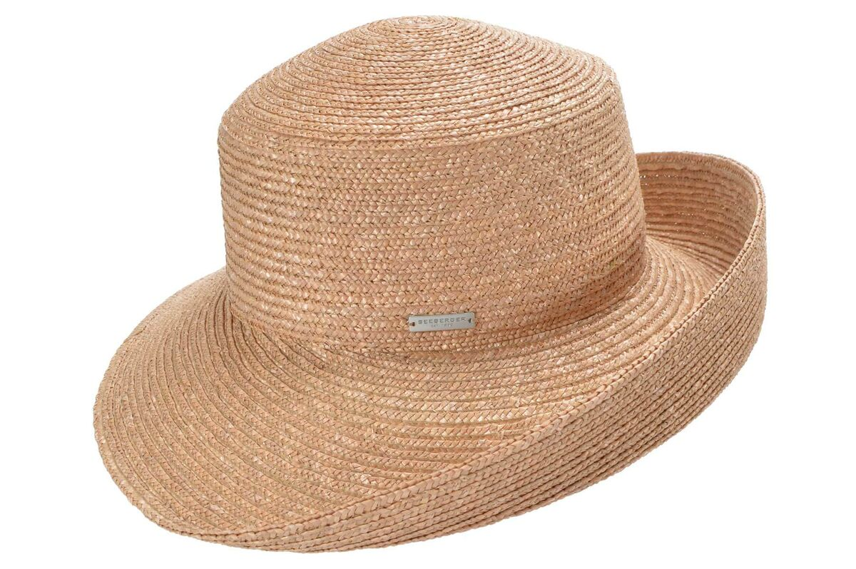 Шляпа соломенная коричневая с поднятым полем