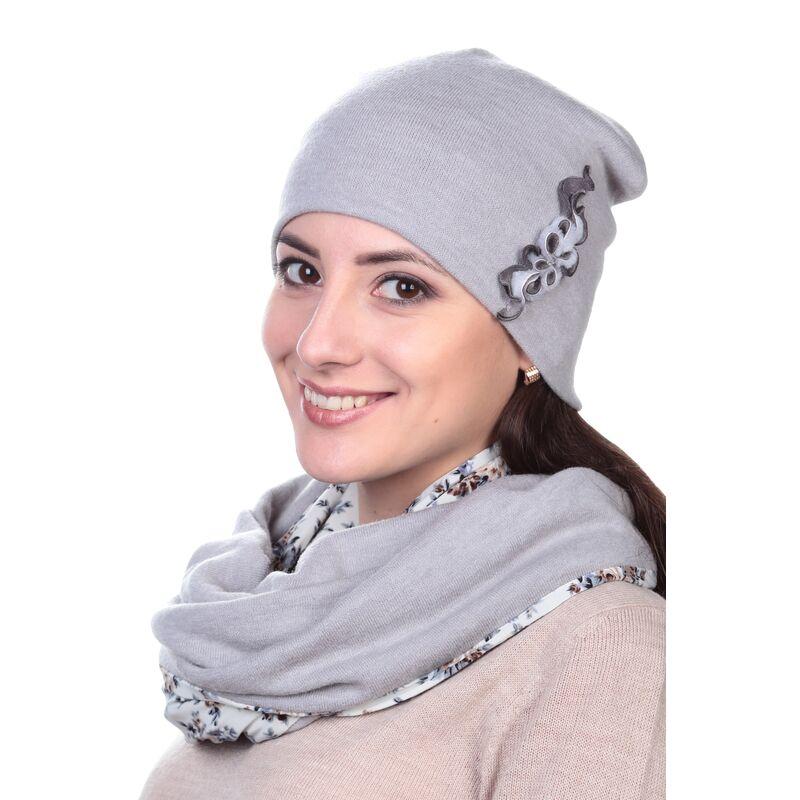 Шапка женская сераяфото