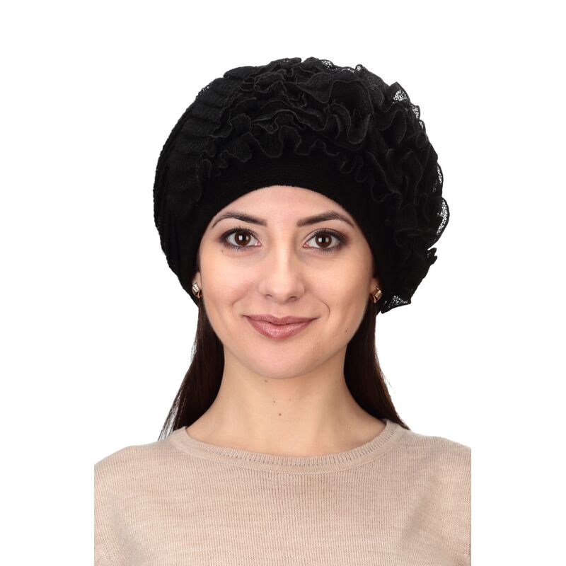 Шапка зимняя черная с оборкамифото