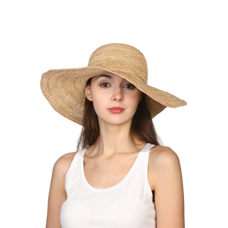 Шляпа с широкими полями из рафииизображение