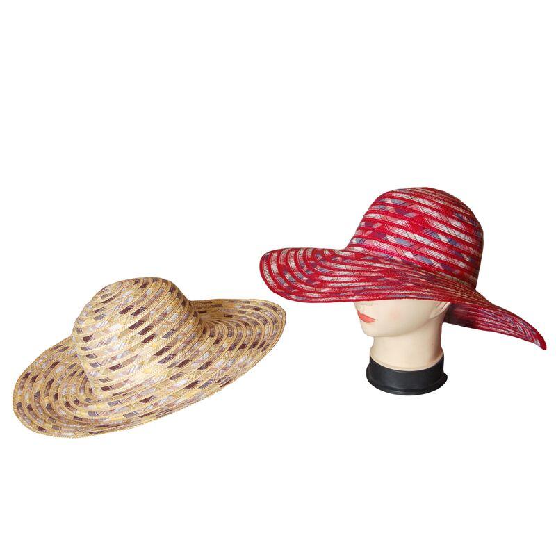 Шляпа соломенная с тканевыми вставкамиизображение