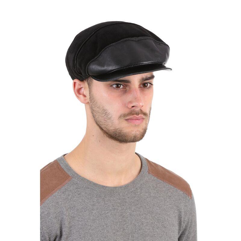 Кепка мужская из замши чернаяизображение