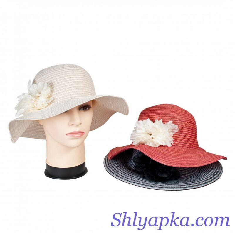 Шляпа летняя с украшениемизображение