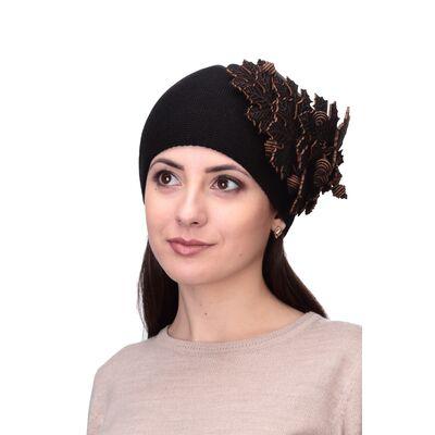 Шапка черная кленовый лист